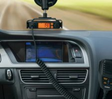 Inexpensive and cheap CB radio and antenna systems are reviewed here. You can buy these low cost CB radios and antennas without compromising on quality of performance